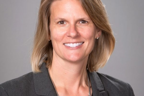 Headshot of Lisa Lynn Knowles